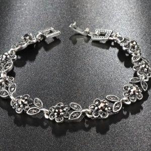 Women Antique Silver Plated Bracelet Floral Style